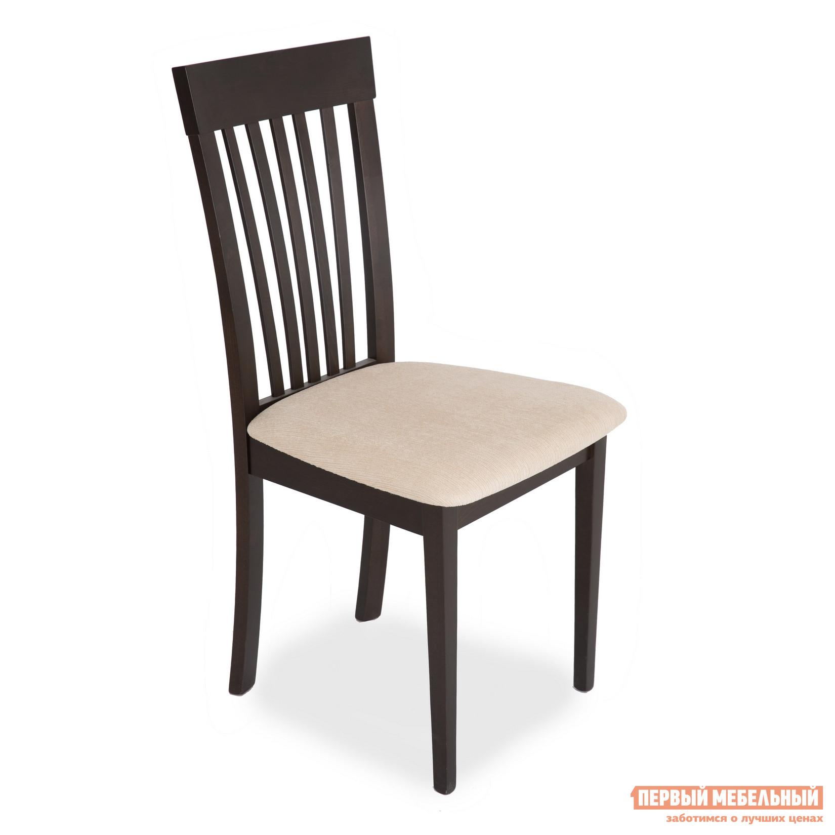 Стул Бентли Трейд CB-3950 DARK WALNUT 10 / BEIGE PVC (эко кожа)Стулья для кухни<br>Габаритные размеры ВхШхГ 955x480x440 мм. Классический деревянный стул с мягким сиденьем для столовой или кухни.  Такая модель никогда не выйдет из моды и с годами будет становиться только привлекательнее. Корпус стула изготавливается из массива гевеи, обивка выполнена из качественной экокожи.<br><br>Цвет: Бежевый<br>Цвет: Коричневое дерево<br>Высота мм: 955<br>Ширина мм: 480<br>Глубина мм: 440<br>Кол-во упаковок: 1<br>Форма поставки: В разобранном виде<br>Срок гарантии: 6 месяцев<br>Тип: Для гостиной<br>Материал: Дерево<br>Материал: Искусственная кожа<br>Материал: Натуральное дерево<br>Порода дерева: Гевея<br>С мягким сиденьем: Да<br>Без подлокотников: Да