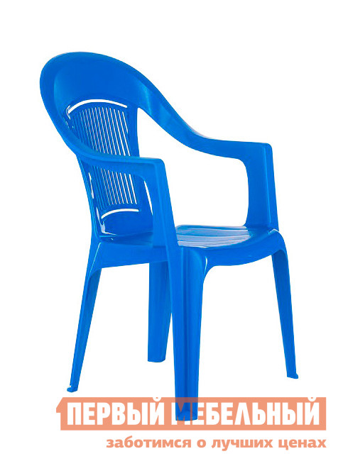 Пластиковый стул ЭЛП Кресло «Венеция» СинийПластиковые стулья<br>Габаритные размеры ВхШхГ 910x550x410 мм. Пластиковый стул тоже может быть элегантным, и кресло «Венеция» тому доказательство.  Покатая спинка, аккуратные подлокотники и удобное сиденье делают модель изящной и гармоничной деталью для обустройства зоны отдыха на веранде, в саду вашего загородного участка или на лоджии квартиры.  Глубокое сиденье и перфорированная спинка, пропускающая воздух, обеспечат комфортный и приятный отдых в таком кресле. Стул выполняется из пластика, легкого, но прочного материала, устойчивого к погодным влияниям и перепадам температур.  Модель весит всего 2,3 кг, вы с легкостью сможете вынести кресло на улицу и, устроившись под любимой яблоней, насладиться свежим воздухом и захватывающей книгой.  Размеры стула составляют 910 х 550 х 410 мм.  Высота от пола до сиденья — 445 мм, ширина и глубина сиденья — 440 мм.  Кресло выдерживает до 120 кг.<br><br>Цвет: Синий<br>Высота мм: 910<br>Ширина мм: 550<br>Глубина мм: 410<br>Кол-во упаковок: 1<br>Форма поставки: В собранном виде<br>Срок гарантии: 1 год<br>С подлокотниками: Да