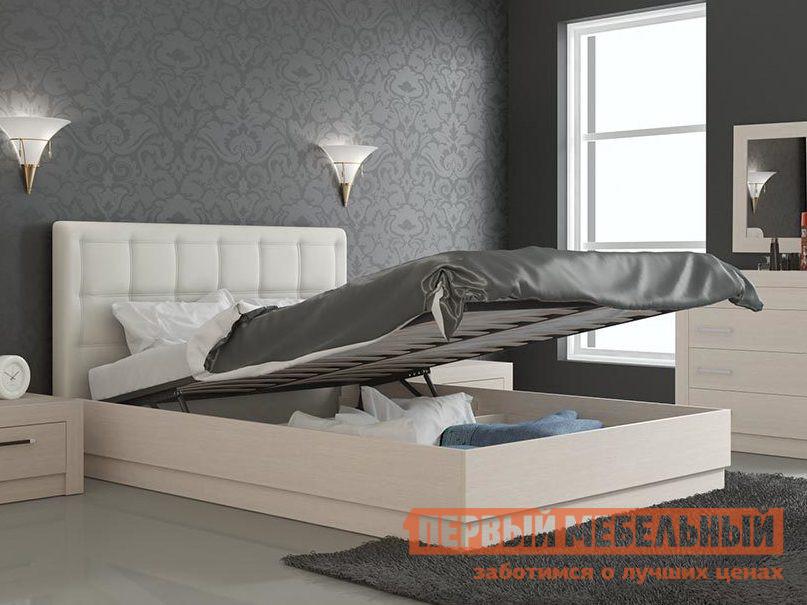 Кровать ТриЯ Токио СМ-131.13.002 Светлый Дуб Белфорт, Спальное место 1600 X 2000 ммДвуспальные кровати<br>Габаритные размеры ВхШхГ 990x1514 / 1738x2082 мм. Уют и комфорт подарит вам данная кровать.  В ней прекрасно сочетаются стильный дизайн и высокая функциональность.  Мягкая спинка, украшенная каретной стяжкой, позволит вам с удобством расположиться в положении полулежа.  Благодаря подъемному механизму, вы сможете с пользой использовать пространство под матрасом. На выбор вам предлагается два варианта размера спального места:1400 х 2000 мм;1600 х 2000 мм. Максимальная нагрузка на данную модель составляет 180 кг. Каркас кровати изготовлен из ЛДСП, материал спинки — профиль МДФ, ДСП.  Основание — настил из ЛДСП.  Изголовье обтянуто искусственной кожей. Обратите внимание! Кровать продается без матраса, подходящие варианты матрасов вы можете найти в разделе «Аксессуары».<br><br>Цвет: Светлое дерево<br>Высота мм: 990<br>Ширина мм: 1514 / 1738<br>Глубина мм: 2082<br>Форма поставки: В разобранном виде<br>Срок гарантии: 18 месяцев<br>Тип: Простые<br>Материал: Дерево<br>Материал: Искусственная кожа<br>Материал: ЛДСП<br>Размер: Спальное место 140Х200<br>Размер: Спальное место 160Х200<br>С подъемным механизмом: Да<br>С ортопедическим основанием: Да<br>С мягким изголовьем: Да<br>Без изножья: Да