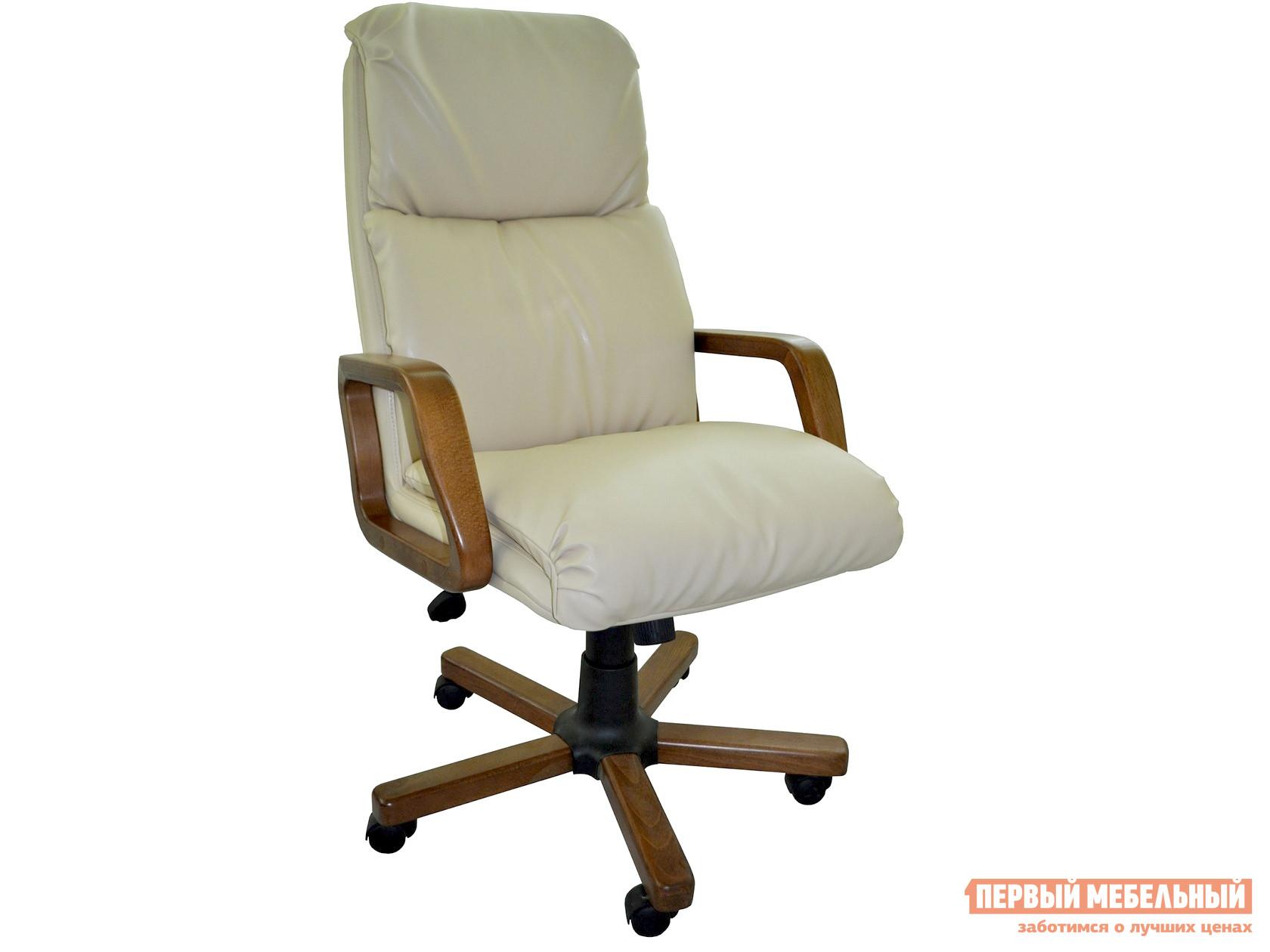 Кресло руководителя Первый Мебельный Надир с деревянными подлокотниками
