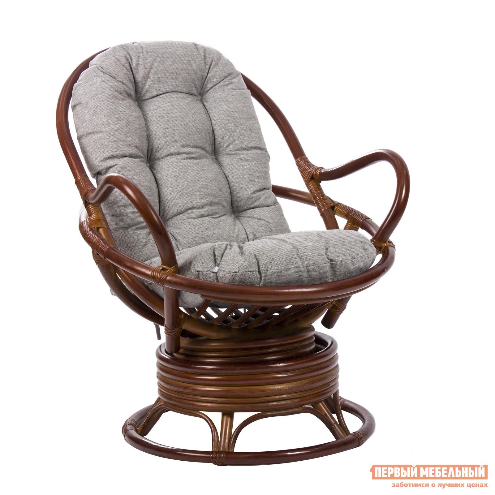 Кресло-качалка Мебель Импэкс Swivel Rocker Коньяк Мебель Импэкс Габаритные размеры ВхШхГ 880x950x960 мм. В современном ритме особенно ценны дни, проводимые за городом.  Кресло-качалка Сьювел Рокер сделает долгожданный отдых еще прекраснее.  Модель имеет оригинальную форму сиденья, в которую отдыхающий как бы проваливается.  Это позволяет почувствовать себя уединенно и в полной безопасности.  Особенно комфортно будет сидеть на мягкой подушке-матрасе, которая поставляется в комплекте. <br>Конструкция кресла имеет особенный пружинный механизм, который убаюкивает плавными покачиваниями из стороны в сторону и ненавязчивым вращением. <br>Каркас изготавливается из натурального ротанга, а это значит, что кресло можно использовать как в помещении, так и на открытом воздухе. <br />Чехлы подушек не съемные.  Наполнение мягкого элемента — полиэфир и ППУ. <br>
