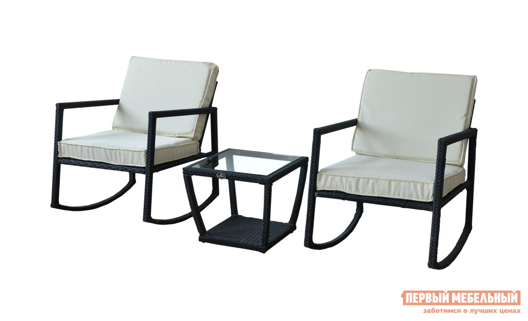Комплект плетеной мебели Kvimol KM-0320 Черный иск. ротанг / бежевый подушкиКомплекты плетеной мебели<br>Габаритные размеры ВхШхГ 400x500x500 мм. Уютный комплект плетеной мебели для двоих KM-0320 — идеальная деталь для вашего загородного отдыха на свежем воздухе в компании с любимым человеком.  В состав комплекта входят два плетеных кресла-качалки с мягкими подушками и аккуратный стеклянный столик, размеры которого оптимальны для пары чашек кофе и тарелки с лакомствами.  Благодаря использованным материалам, из которых создан этот комплект, мебель неприхотлива к влиянию влаги и солнца, поэтому вы можете ее разместить не только в доме, но и в саду, в беседке или под садовым зонтом. Размеры кресел (ВхШхГ): 760 х 650 х 860 мм. Размеры столика (ВхШхГ): 400 х 500 х 500 мм. Оцинкованный каркас с порошковым покрытием оплетен прочным искусственным ротангом черного цвета.  Съемные подушки на спинке и сиденье толщиной 80 мм имеют обивку из полиэстера бежевого цвета.  Столешница сделана из закаленного стекла толщиной 5 мм.  В комплекте к этому набору поставляется водонепроницаемый чехол, который защитит мебель от осадков в пасмурную погоду.<br><br>Цвет: Черный<br>Цвет: Бежевый<br>Высота мм: 400<br>Ширина мм: 500<br>Глубина мм: 500<br>Кол-во упаковок: 1<br>Форма поставки: В собранном виде<br>Срок гарантии: 1 год<br>Тип: Плетеная<br>Тип: С журнальным столом<br>Тип: С кофейным столом<br>Тип: Со стульями<br>Материал: Искусственный ротанг<br>Вместимость: На 2 персоны<br>С подлокотниками: Да<br>С подушкой: Да