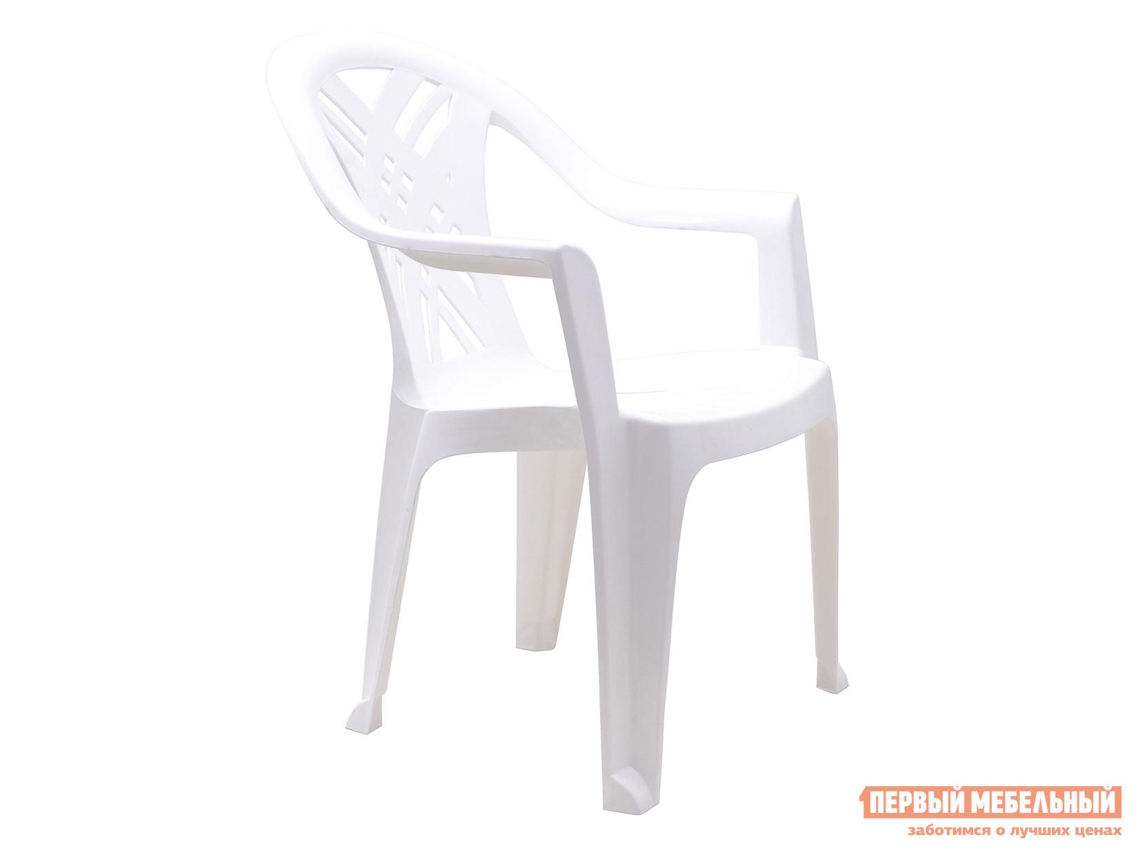 Пластиковый стул Стандарт Пластик Кресло №6 Престиж-2 (660x600x840мм) БелыйПластиковые стулья<br>Габаритные размеры ВхШхГ 840x660x600 мм. Классический пластиковый стул Престиж-2 для отдыха на даче или пикнике.  Также модель подходит для оформления летнего кафе.  Кресло имеет монолитное исполнение, поэтому сразу же готово к эксплуатации.  Плавные подлокотники обеспечат дополнительное удобство.  Еще одно преимущество изделия — вентиляционные отверстия в спинке и сиденье, что важно в жаркое время года.  Несколько стульев удобно хранить друг в друге в виде стопки. Глубина сиденья составляет 380 мм. Ширина сиденья между подлокотниками в самом узком месте — 360 мм, в самом широком — 420 мм. Пластиковый стул выдерживает нагрузку до 120 кг, он прочный и при грамотной эксплуатации готов служить несколько сезонов.  Также изделия из пластика идеально подходят для размещения на улице, так как они не боятся влаги и летней жары. В нашем магазине представлен большой выбор расцветок стула Престиж-2.  Все модели в наличии, поэтому вы будете приятно удивлены быстрыми сроками доставки.<br><br>Цвет: Белый<br>Высота мм: 840<br>Ширина мм: 660<br>Глубина мм: 600<br>Кол-во упаковок: 1<br>Форма поставки: В собранном виде<br>Срок гарантии: 1 год<br>С подлокотниками: Да