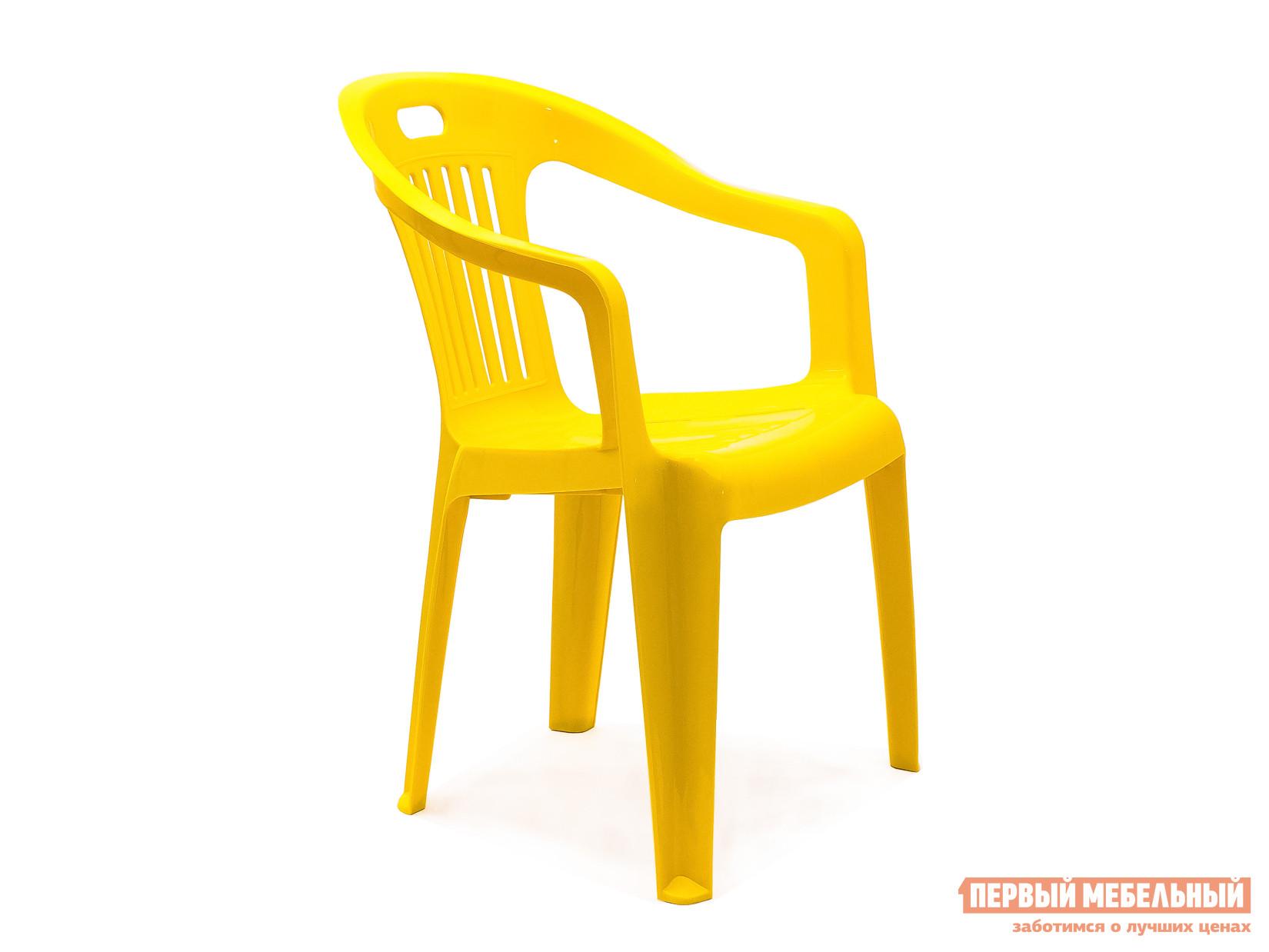 Пластиковый стул Стандарт Пластик Кресло №5 Комфорт-1 (540x535x780мм) ЖелтыйПластиковые стулья<br>Габаритные размеры ВхШхГ 780x540x535 мм. Пластиковое кресло Комфорт простое и практичное.  Оформление спинки кресла обеспечивает отличную вентиляцию, благодаря этому в нем удобно сидеть даже в жаркую погоду.  Также спинка оснащена прорезью для удобной транспортировки кресла.  Изделие оборудовано подлокотниками, их функциональное назначение – сделать пребывание в кресле максимально удобным и приятным. Высота изделия от пола до сиденья составляет 37 см. Пластиковая мебель уникальна сочетанием таких качеств, как повышенная прочность (легко выдерживает нагрузку до 120 кг) и предельная легкость (чуть больше 2 кг).  Мебельные изделия демократичны, хорошо подходят для меблировки дачи, зоны отдыха или летнего кафе.  Пластиковая мебель не боится перепадов температур, повышенной влажности.  Такая мебель станет верным союзником в комфортном и гармоничном отдыхе.<br><br>Цвет: Желтый<br>Высота мм: 780<br>Ширина мм: 540<br>Глубина мм: 535<br>Кол-во упаковок: 1<br>Форма поставки: В собранном виде<br>Срок гарантии: 1 год<br>С подлокотниками: Да