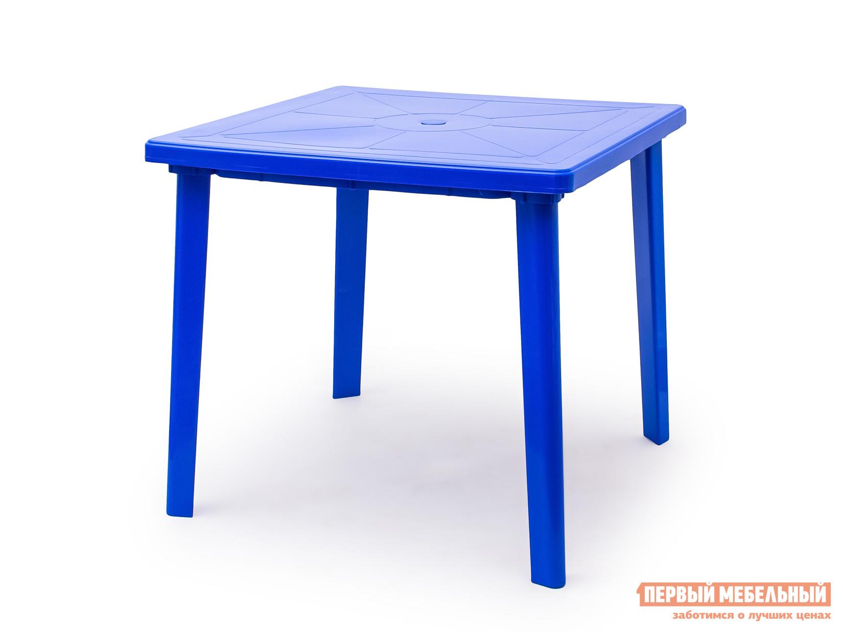 Пластиковый стол Стандарт Пластик Стол квадратный (800х800х710) СинийПластиковые столы<br>Габаритные размеры ВхШхГ 710x800x800 мм. Пластиковый квадратный стол удобный и легкий, выполнен в лаконичном стиле.  Стол отличается прочностью и надежен в эксплуатации.  Дизайн мебельного изделия разработан так, что его легко сочетать с другой мебелью.  Так же конструкцией стола предусмотрено отверстие для зонта с заглушкой.   Мебельные изделия из пластика демократичны, хорошо подходят для меблировки дачи, зоны отдыха или летнего кафе.  Пластиковая мебель не боится перепадов температур, повышенной влажности.  Такая мебель станет верным союзником в комфортном и гармоничном отдыхе.<br><br>Цвет: Синий<br>Высота мм: 710<br>Ширина мм: 800<br>Глубина мм: 800<br>Кол-во упаковок: 1<br>Форма поставки: В разобранном виде<br>Срок гарантии: 1 год<br>Форма: Квадратные<br>Размер: Маленькие