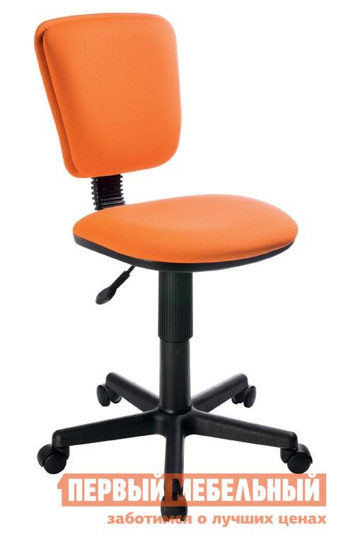 Компьютерное кресло Бюрократ CH-204NX 26-29-1 оранжевыйКомпьютерные кресла детские<br>Габаритные размеры ВхШхГ xx мм. Это детское кресло создано для всех любителей гармоничного сочетания выдержанного стиля, эргономичности и безопасности.   Модель оснащена механизмом регулировки высоты сидения.  Это позволяет максимально снизить нагрузку на позвоночник и избежать проблем с осанкой.  Каркас кресла выполнен из высококачественного пластика.  Все материалы, из которых изготовлено кресло, экологически безопасны и не вызывают аллергических реакций.  Размеры модели оптимальны для детских и подростковых комнат небольшого размера. Изделие поставляется в упаковке размером 570х270х540. Вес в упаковке составляет 8,9 кг.<br><br>Цвет: 26-29-1 оранжевый<br>Цвет: Оранжевый<br>Кол-во упаковок: 1<br>Форма поставки: В разобранном виде<br>Срок гарантии: 18 месяцев<br>Тип: До 80 кг, До 100 кг, Регулируемые по высоте<br>Назначение: Для школьников<br>Материал: из ткани<br>Особенности: На колесиках, С пластиковой крестовиной, Без подлокотников<br>Пол: Для девочек, Для мальчиков