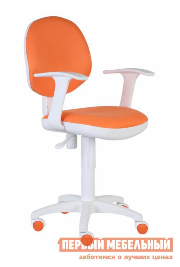 Компьютерное кресло Бюрократ CH-W356AXSN 15-75 ОранжевыйКомпьютерные кресла детские<br>Габаритные размеры ВхШхГ 860/990x580x570 мм. Компьютерное кресло раскрасит будни насыщенными, веселыми красками.  Сидеть в кресле приятно и комфортно благодаря широким подлокотникам и эргономичной спинке.  Регулировка высоты кресла осуществляется с помощью газлифта.  Дополнительно кресло оборудовано пружинно-винтовым механизмом качания спинки.  Маневренные колесики обеспечат легкое перемещение пустого кресла, или мобильность во время работы. Высота от пола до сидения — 460/590 мм. Максимальная допустимая нагрузка – 120 кг.  Цветовое разнообразие поможет привнести индивидуальность в интерьер и расширит возможные варианты оформления кабинета.<br><br>Цвет: Оранжевый<br>Высота мм: 860/990<br>Ширина мм: 580<br>Глубина мм: 570<br>Кол-во упаковок: 1<br>Форма поставки: В разобранном виде<br>Срок гарантии: 18 месяцев<br>Тип: До 80 кг<br>Тип: До 100 кг<br>Тип: До 120 кг<br>Тип: Регулируемые по высоте<br>Назначение: Для дома<br>Назначение: Для школьников<br>Материал: Ткань<br>Эргономичные: Да<br>С подлокотниками: Да<br>На колесиках: Да<br>Пластиковая крестовина: Да<br>С низкой спинкой: Да<br>Пол: Для девочек<br>Пол: Для мальчиков
