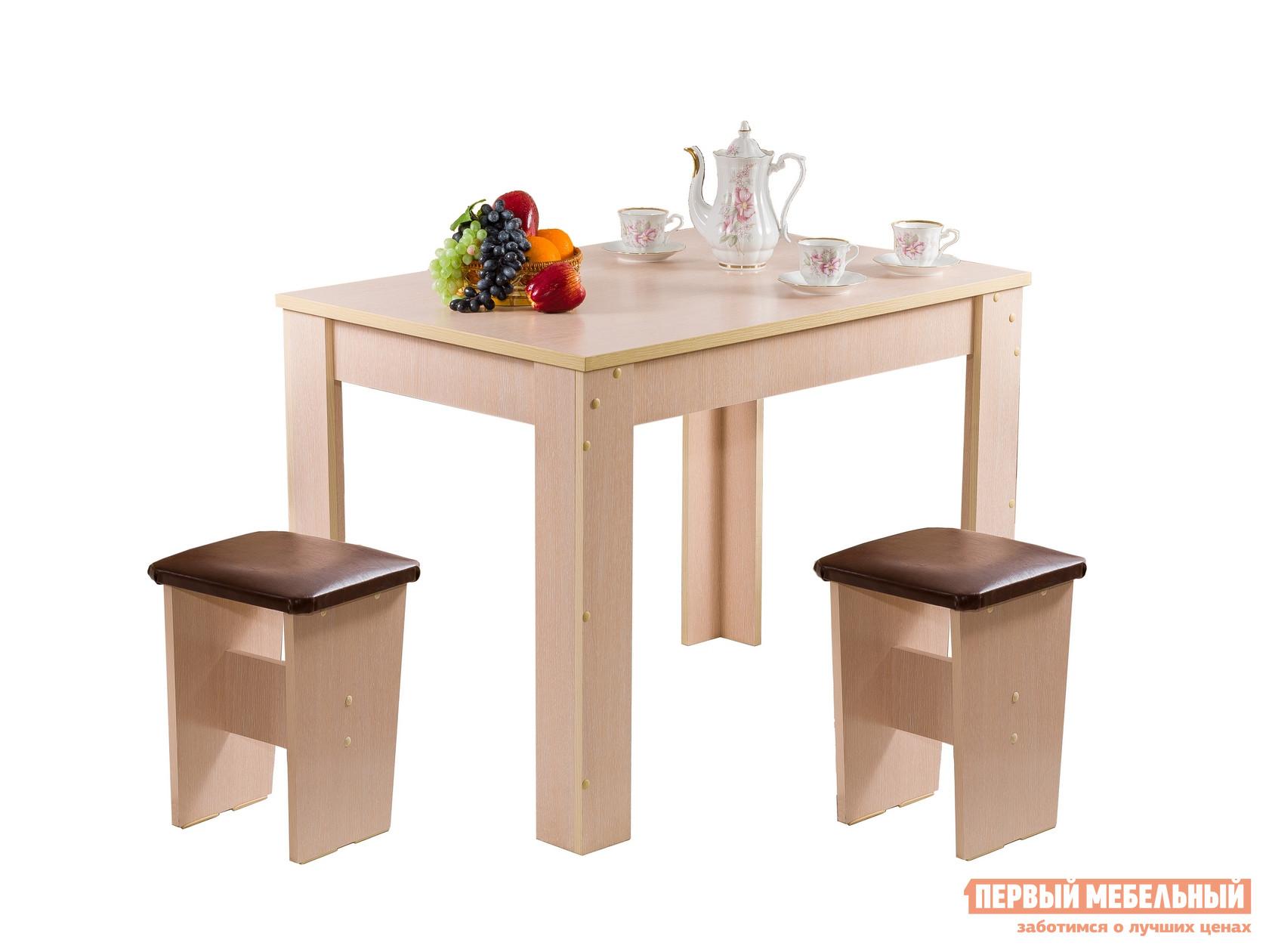 Кухонный стол Мебель Волгодонска Стол Лидер 6 Дуб молочныйКухонные столы<br>Габаритные размеры ВхШхГ 755x1020x690 мм. Удобный стол — незаменимый предмет на кухне.  Семейный ужин или прием гостей пройдут в уюте и с комфортом.  Классическое исполнение органично впишется в любой интерьер. Обратите внимание, табуреты в комплект не входят!Изделие изготовлено из ЛДСП.<br><br>Цвет: Дуб молочный<br>Цвет: Светлое дерево<br>Высота мм: 755<br>Ширина мм: 1020<br>Глубина мм: 690<br>Форма поставки: В разобранном виде<br>Срок гарантии: 12 месяцев<br>Материал: Деревянные, из ЛДСП<br>Форма: Прямоугольные<br>Размер: Маленькие
