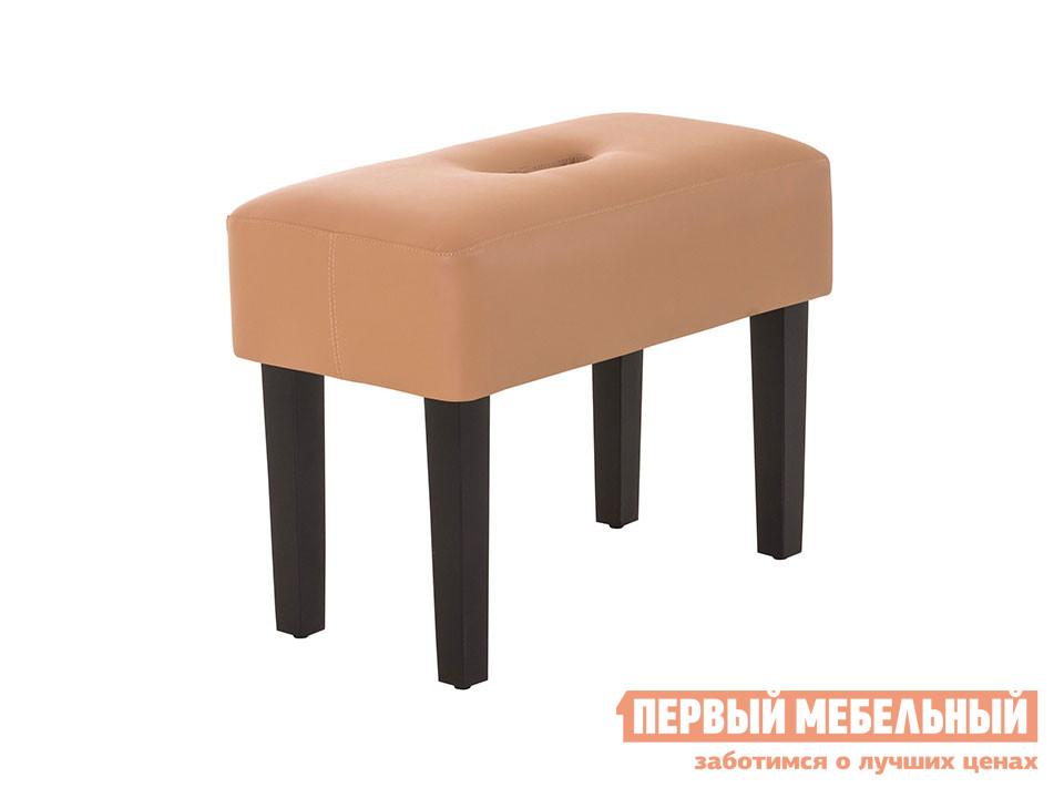 Банкетка ОГОГО Обстановочка! Handy Кож. зам. Domus nut (Ореховый)Банкетки<br>Габаритные размеры ВхШхГ 390x510x260 мм. Мягкая небольшая банкетка.  Прекрасно подойдет в качестве места для сидения в прихожей или в роли подставки для ног рядом с креслом, где вы сможете отдохнуть после рабочего дня. В сиденье сделано отверстие для легкого и удобного перемещения банкетки. Ножки выполнены из массива сосны, обивка — экокожа.  Цвет ножек — черный. Максимальная нагрузка составляет 100 кг.<br><br>Цвет: Кож. зам. Domus nut (Ореховый)<br>Цвет: Бежевый<br>Высота мм: 390<br>Ширина мм: 510<br>Глубина мм: 260<br>Кол-во упаковок: 1<br>Форма поставки: В разобранном виде<br>Срок гарантии: 2 года<br>Тип: Скамья<br>Назначение: Для кухни, Для спальни, В прихожую, Для офиса, Для гостиной, Для ног, Для туалетного столика<br>Материал: из искусственной кожи<br>Форма: Прямоугольные<br>Размер: Узкие, Одноместные<br>Высота: Низкие<br>Особенности: С мягким сиденьем, На ножках, Без спинки<br>Стиль: Современный, В стиле ретро