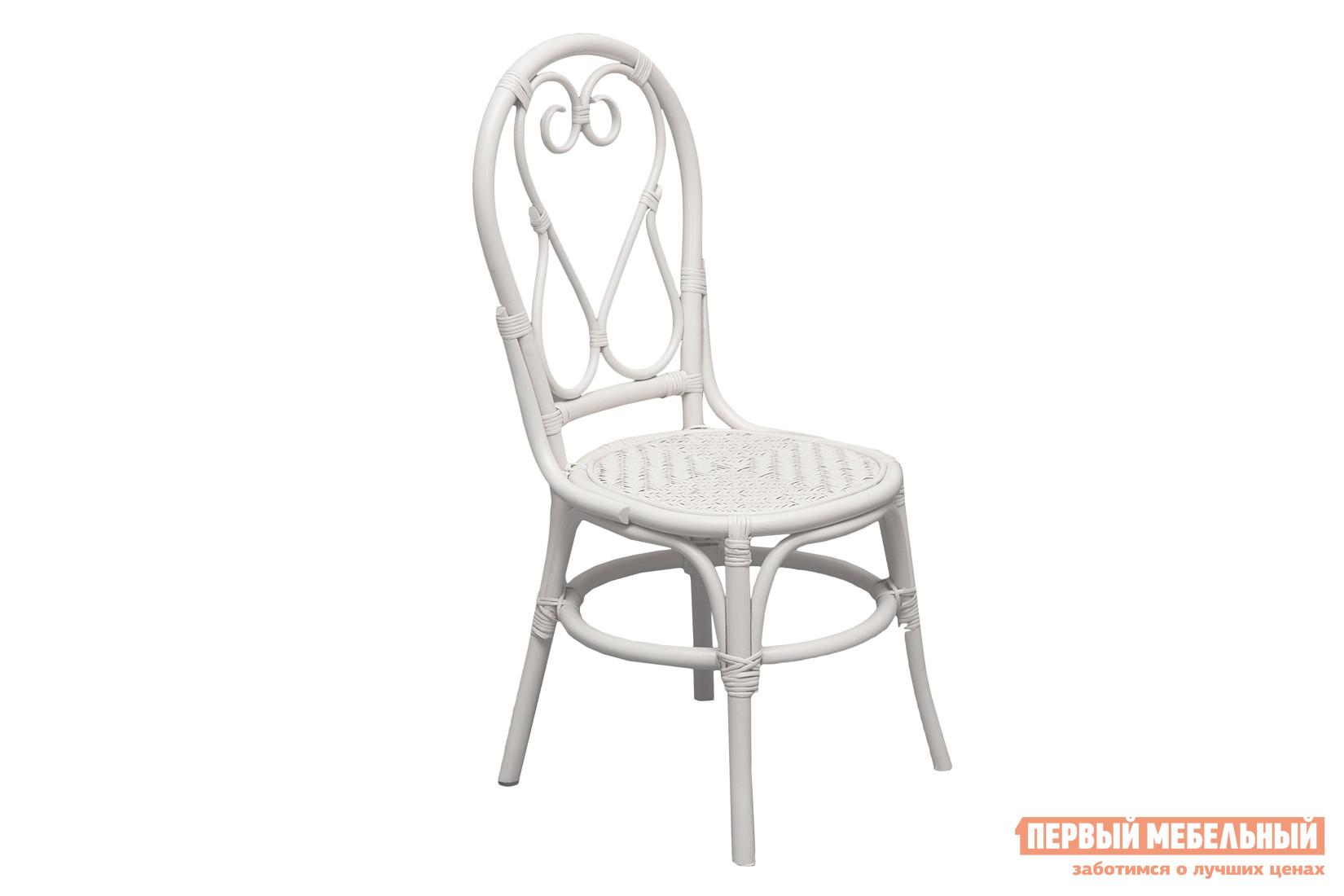 Садовое кресло Tetchair Бистро Butter WhiteСадовые стулья и кресла<br>Габаритные размеры ВхШхГ 990x490x470 мм. Изящность линий стула Бистро покоряет сердце с первого взгляда.  Эта модель воплощает в себе лучшие черты натуральных материалов и практичность садовой мебели.  Стул изготавливается из натурального ротанга высшего сорта.  Этот материал очень прочен, эластичен и устойчив к внешним воздействиям.  Конструкцией предусмотрен устойчивый каркас, жесткое сиденье и высокая спинка с оригинальным оформлением.  Все это делает образ изделия невесомым и лаконичным.<br><br>Цвет: Белый<br>Высота мм: 990<br>Ширина мм: 490<br>Глубина мм: 470<br>Кол-во упаковок: 1<br>Форма поставки: В собранном виде<br>Срок гарантии: 1 год<br>Тип: Плетеная<br>Материал: Натуральный ротанг<br>Материал: Ротанг<br>С жестким сиденьем: Да<br>Без подлокотников: Да