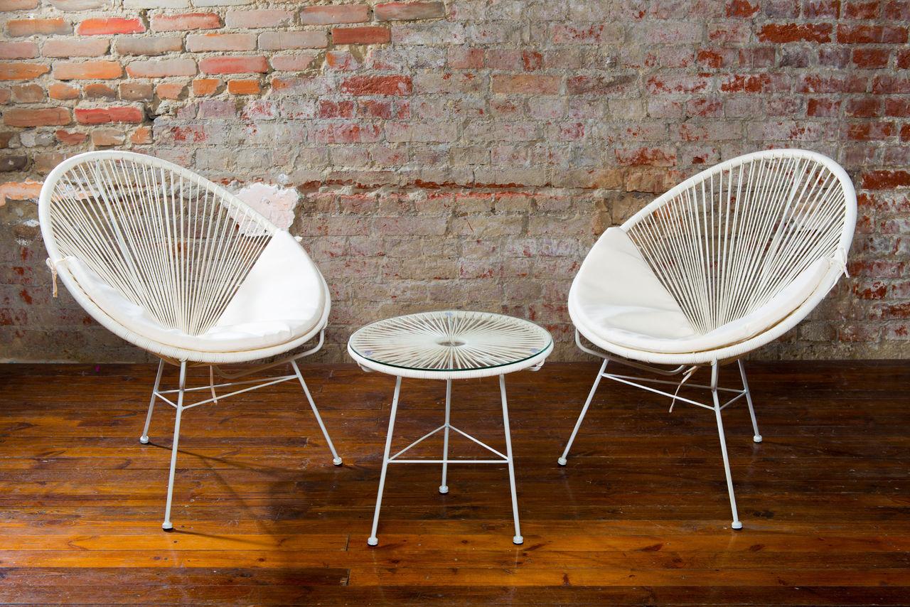 Плетеное кресло белое