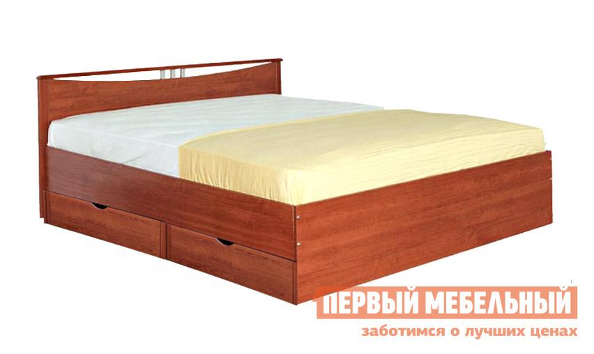 Полутороспальная кровать Боровичи Мелисса с ящиками Вишня, Спальное место 1400 X 2000 мм Боровичи Габаритные размеры ВхШхГ 710x1325 / 1525x2060 мм. Полутороспальная кровать, выполненная в классическом стиле, позволит создать уютную обстановку для сна и отдыха в спальне. </br>Изголовье оформлено изящным вырезом с декоративными элементами. Боковые части каркаса имеют обрамления из массива березы, которые обеспечивают прочность и износостойкость кровати. Основание кровати выполняется из деревянных брусьев. На выбор представлено два варианта размера спального места:1200 х 2000 мм. <br>1400 х 2000 мм. <br><br>В комплект кровати входят два выдвижных ящика для постельных принадлежностей.  Их можно разместить с любой стороны или разместить по одному ящику с каждой из сторон под кроватью со спальным местом 1400х2000 мм. <br />Внутренние габаритные размеры ящиков составляют (ВхШхГ): 135х745х700 мм. <br>Кровать и ящики выполняются из ЛДСП. <br>Высота от пола до спального места (высота без спинки) составляет 420 мм. <br>Обратите внимание! Кровать продается без матраса, подходящие варианты матрасов вы можете найти в разделе «Аксессуары». <br>