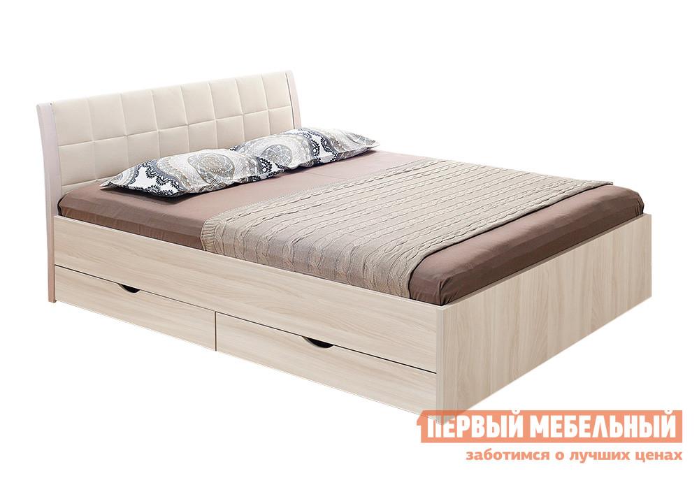 Полутороспальная кровать Боровичи Кровать Гнутая спинка мягкая с ящиками Шимо светлый / Выбеленная береза, Boom Milk (иск.кожа), Спальное место 1400 X 2000 мм Боровичи Габаритные размеры ВхШхГ 950x1500x2100 мм. Стильная полутороспальная кровать, выполненная в лаконичном дизайне.  Модель прекрасно впишется как в классический, так и современный интерьер спальни.  Высокая спинка с небольшим изгибом оформлена вставкой из светлой искусственной кожи, что придает кровати изящный и уютный образ. Размер спального места:1400 х 2000 мм. <br><br>В комплект кровати входят два выдвижных ящика для постельных принадлежностей. <br>Кровать и ящики выполняются из ЛДСП, обивка на изголовье — искусственная кожа. <br>Обратите внимание! Кровать продается без матраса, подходящие варианты матрасов вы можете найти в разделе «Аксессуары». <br>