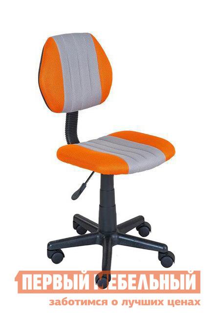 Компьютерное кресло Fun Desk LST4 Серый / ОранжевыйКомпьютерные кресла детские<br>Габаритные размеры ВхШхГ 790 / 910x500x500 мм. Небольшое детское компьютерное кресло LST4 не будет смотреться громоздко в комнате, а станет удобным союзником ребенка в его творческой и учебной деятельности.  Отсутствие подлокотников предоставляет больше свободы движениям юного ученика. Спинка и сиденья имеют правильную форму с ортопедическим эффектом и буду оказываться ребенку комфортную анатомическую поддержку позвоночника.  Кресло регулируется по высоте.  Для этого в конструкции есть пневматическая пружина, которая позволяет настраивать высоту сиденья в диапазоне от 380 х 500 мм.  Размеры сиденья составляют 390 х 370 мм. Основание кресла представляет собой путилучевую крестовину с колесиками, которая, за счет широкой расстановки «лапок», исключает случайное опрокидывание кресла.  Модель рассчитана на вес до 80 кг. Крестовина и колесики сделаны из прочного пластика.  Обивка на сиденье и спинке — полиэстер; наполнение — экологически чистая PU пена, которая надолго сохраняет свою первоначальную форму.  Обратите внимание, что колесики не оборудованы фиксаторами.<br><br>Цвет: Серый<br>Цвет: Оранжевый<br>Высота мм: 790 / 910<br>Ширина мм: 500<br>Глубина мм: 500<br>Кол-во упаковок: 1<br>Форма поставки: В разобранном виде<br>Срок гарантии: 12 месяцев<br>Тип: До 80 кг<br>Тип: Регулируемые по высоте<br>Назначение: Для дома<br>Назначение: Для школьников<br>Материал: Ткань<br>На колесиках: Да<br>С мягким сиденьем: Да<br>Пластиковая крестовина: Да<br>Без подлокотников: Да<br>С высокой спинкой: Да<br>Пол: Для девочек<br>Пол: Для мальчиков
