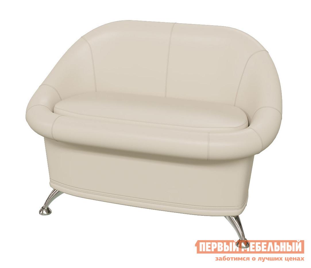 Банкетка Гранд Кволити 6-5154 Белая иск. кожаБанкетки<br>Габаритные размеры ВхШхГ 800x1100x700 мм. Небольшой стильный диванчик — удобный предмет мебели для прихожей в квартире или в загородном доме.  Модель выполнена в сдержанном дизайне и прекрасно впишется в любой интерьер.  Мягкие сиденье и спинка обеспечат комфортное пребывание на диване. Сиденье — съемное, под ним располагается вместительная ниша для самых разных мелочей. Четыре металлические ножки позволят протереть пол во время уборки. Каркас дивана выполняется из дерева и фанеры, наполнение — поролон, обивка — искусственная кожа. Диван поставляется в собранном виде, требуется только прикрутить ножки.<br><br>Цвет: Белая иск. кожа<br>Цвет: Белый<br>Высота мм: 800<br>Ширина мм: 1100<br>Глубина мм: 700<br>Кол-во упаковок: 1<br>Форма поставки: В разобранном виде<br>Срок гарантии: 12 месяцев<br>Тип: Скамья, Кресла<br>Назначение: В прихожую, Для офиса, Для гостиной<br>Материал: из искусственной кожи<br>Форма: Прямоугольные<br>Размер: Двухместные<br>Высота: Высокие<br>Особенности: С ящиками, С подлокотниками, С мягким сиденьем, На ножках, Со спинкой<br>Стиль: Современный